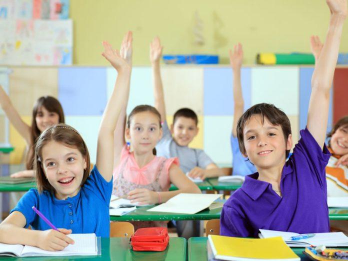 Вопрос, после которого мальчика выгнали из класса — стоит прочитать!