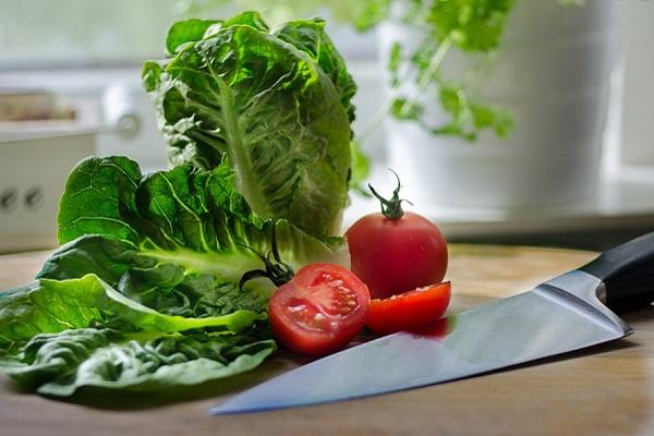 Уход за кухонными ножами: советы от ножевого мастера Боба Крамера