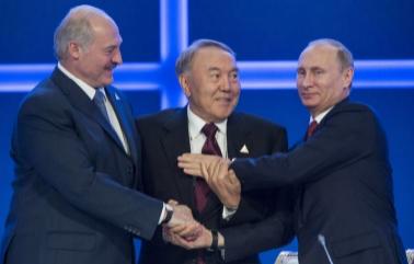 Юлия Витязева: зря ли мы «дуем на воду» в Белоруссии и Казахстане?