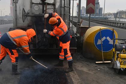 Закопают в дороги: Стала известна цель повышения налогов в России