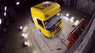Невероятные краш тесты грузовиков Scania