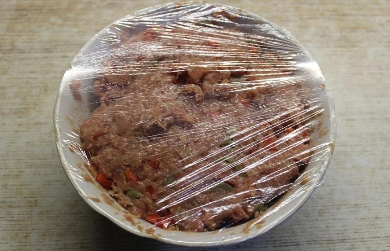 мясо под пленкой