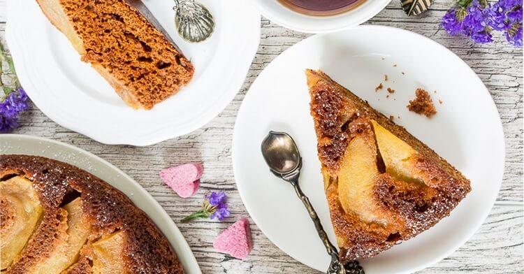Имбирный пирог-перевертыш с яблоками