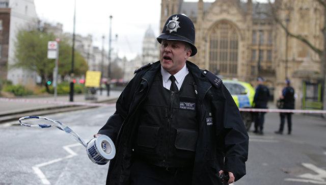 Терракт: У британского парламента произошла стрельба, очевидцы сообщают о погибших