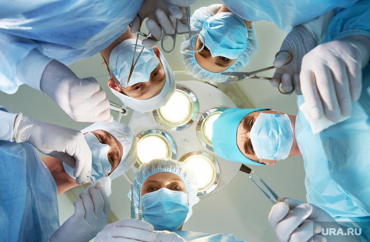 Все больше врачей отказываются лечить. Что происходит? Как защититься?