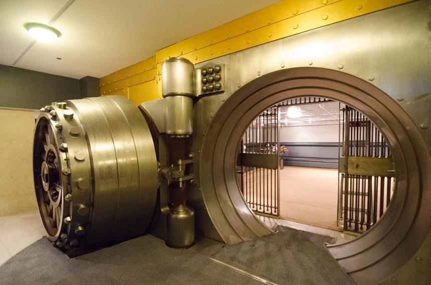 Деньги или отставка: вкладчики лишенных лицензии банков Татарстана поставили ультиматум