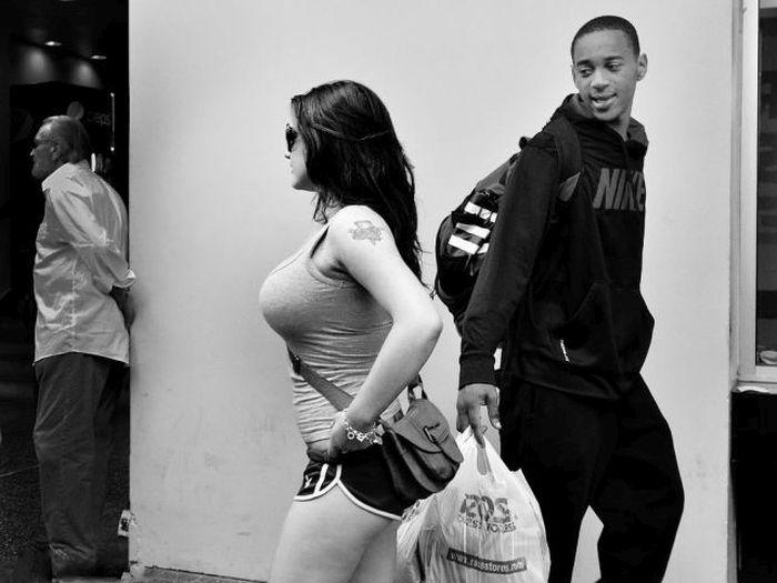 Прекрасные девушки на улицах города (49 фото)