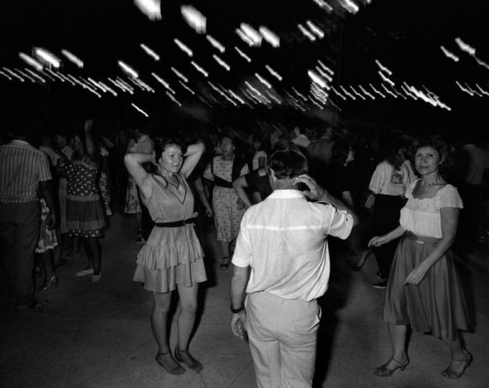 «В городе Сочи...»: 30 фотографий из самого южного черноморского курорта России в 1989 году«В городе Сочи...»: 30 фотографий из самого южного черноморского курорта России в 1989 году  Источник: http://www.kulturologia.ru/blogs/071216/32458/