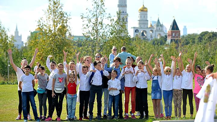 Сенатор Андрей Клишас: Государство не вправе диктовать родителям, как воспитывать детей