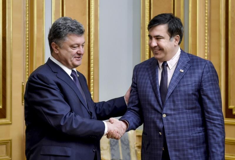 Кузьмин: Суд обязал МВД Украины открыть дело на Порошенко из-за паспорта Саакашвили