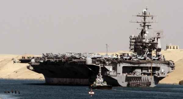Половина ударных сил флота США в море: демонстрация силы или начало войны?