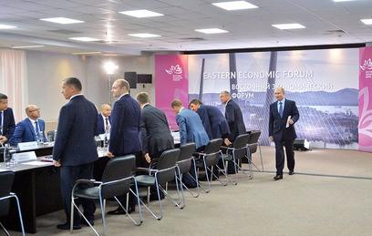 Путин поблагодарил инвесторов за их внимание к развитию Дальнего Востока