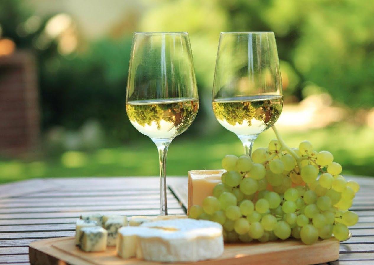 Вымысел или факт: Белое вино делает женщин агрессивными