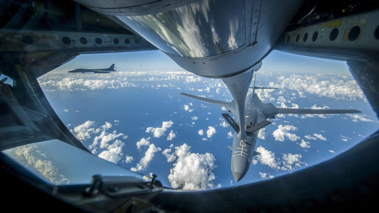 Им плохо, а нам хорошо: американский бомбардировщик-рекордсмен B-1B «Лансер» на грани вымирания