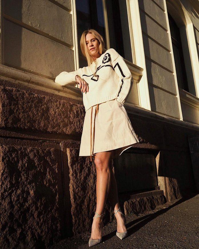 5 примеров осенней одежды, которые пора перестать носить женщинам старше 40