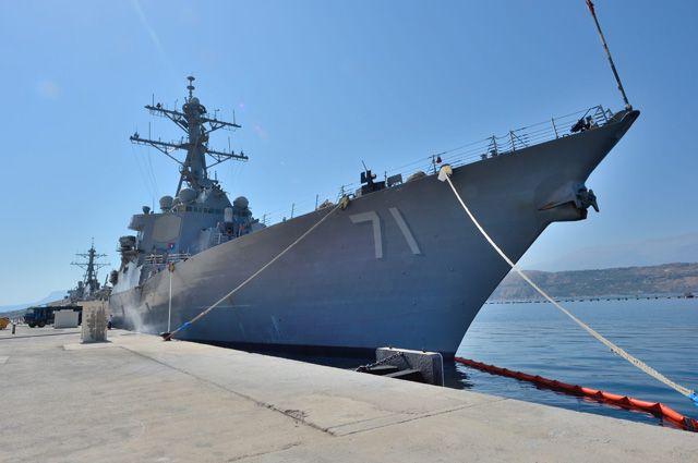 Два американских военных корабля вошли в Черное море