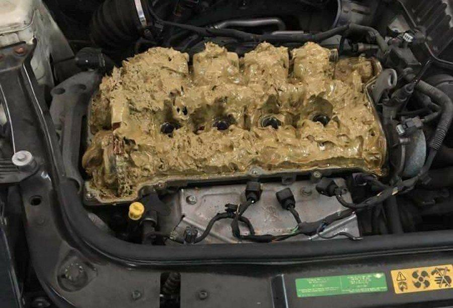 Что будет с двигателем, если залить в него омывайку