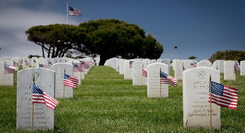 Богу - богово, а Кесарю - кесарево: Сенатор США предложил пускать умерших на удобрения