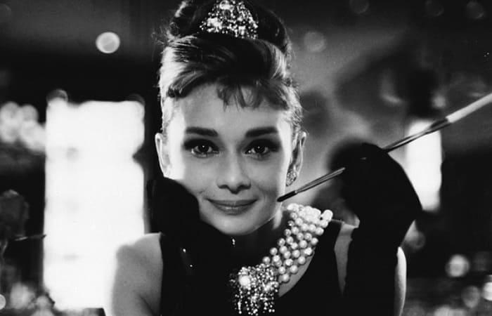 Уроки стиля от Одри Хепберн: Как голливудская актриса стала музой кутюрье, которому модельеры подражают и сегодня