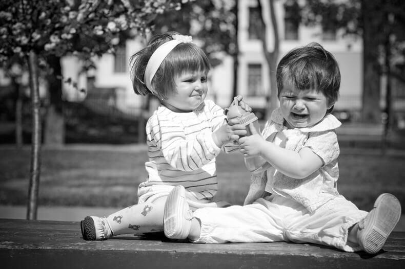 Программирование бедности: почему нельзя заставлять ребенка делиться игрушками