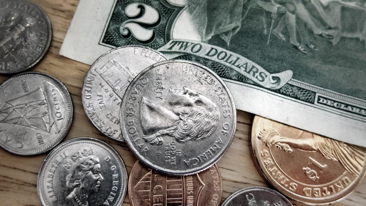 Курс доллара поднялся до 68 рублей