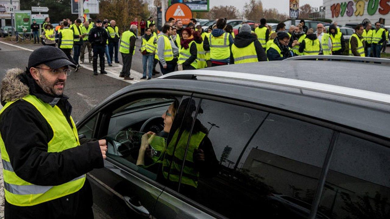 «Гнев и страдание» Парижа: французское правительство в растерянности