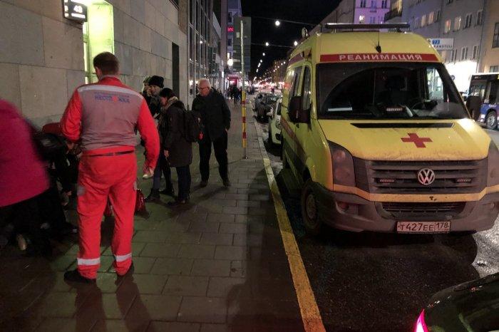 """Российская """"неотложка"""" случайно оказалась в Швеции и спасла жизнь человеку"""