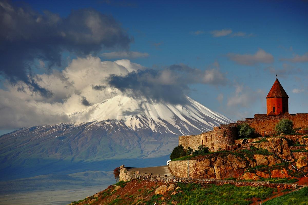 Топ-10: странные и необычные достопримечательности в Армении