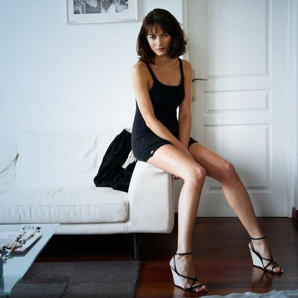 Смотреть все видео потные ноги у девушек фото 565-663