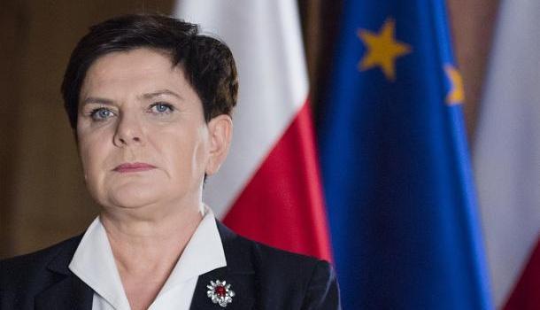 Премьер Польши обвинила Меркель в активизации террористов