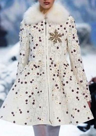 Moncler Gamme Rouge осень-зима 2016-2017 — этно-мотивы и нежная зимняя женственность от известного бренда
