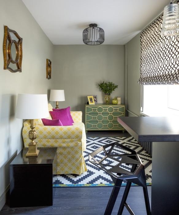 Сочетание различных орнаментов в маленькой квартире.