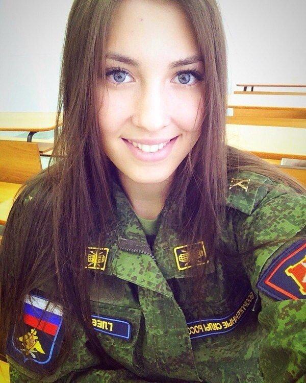 Обворожительная улыбка - это +100 к военной мощи страны! армия, вооруженные силы, девушки, красота, россия, сила, форма
