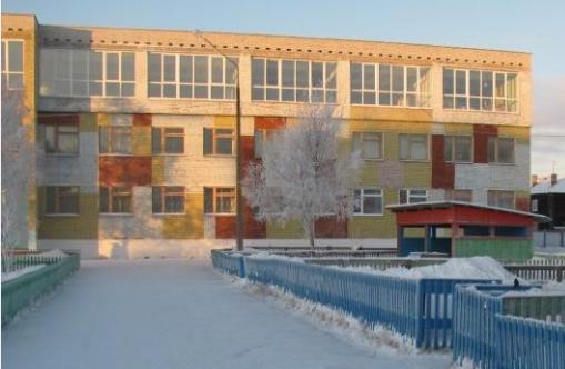 В Москве забытую воспитателями на прогулке девочку нашли мертвой в сугробе