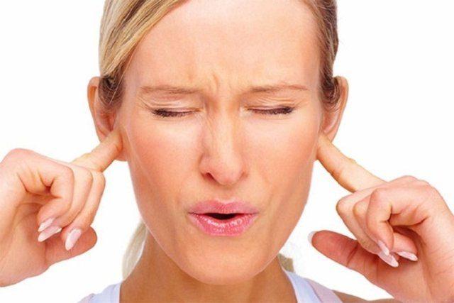 Шум в ушах: симптомы заболевания и методы лечения