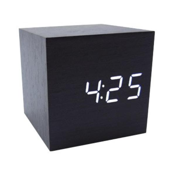 Необходимые предметы интерьера: будильник