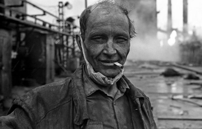 Работник Кузнецкого металлургического комбината. СССР, Новокузнецк, 1980-е годы.