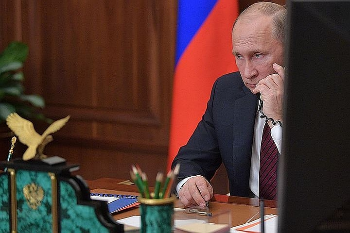 Путин обсудил с Саркисяном ситуацию в Армении