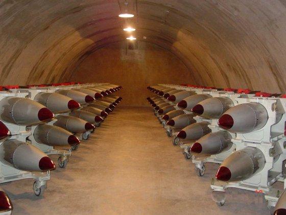 Россия призывает США убрать свое ядерное оружие с территории Европы