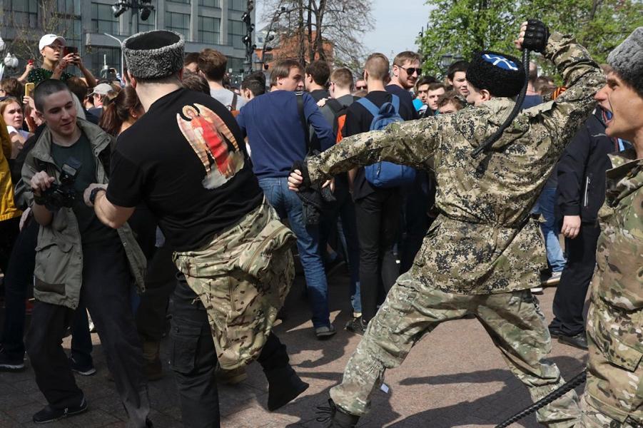 Путин против «дремучего охранительства». Откуда взялись казаки с нагайками?