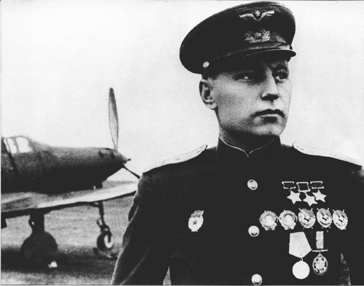 Первый трижды Герой  А. Покрышкин об отступлении 1941 года