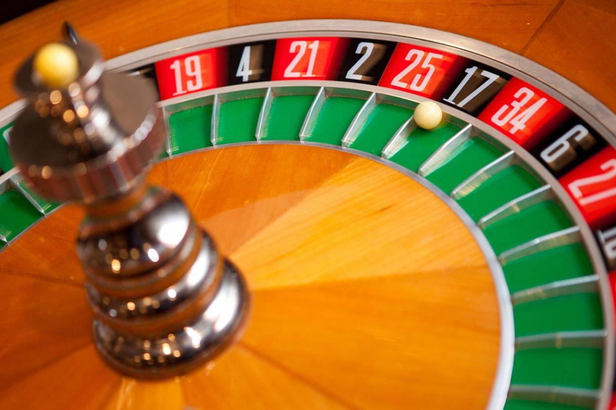 Как математик победил казино…