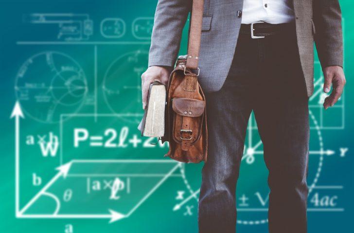 Молодой преподаватель горячо пожалел о выборе профессии