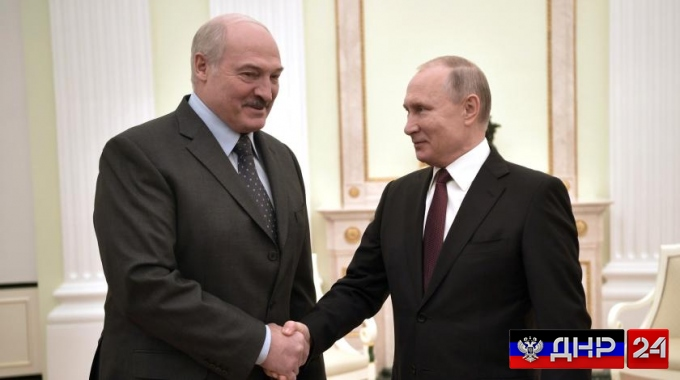 Президенты Белоруссии и России обменялись новогодними поздравлениями