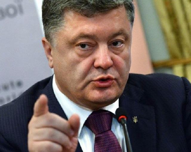 Порошенко о безвизе: не дай бог, мне и украинскому народу кто-то этот праздник испортит