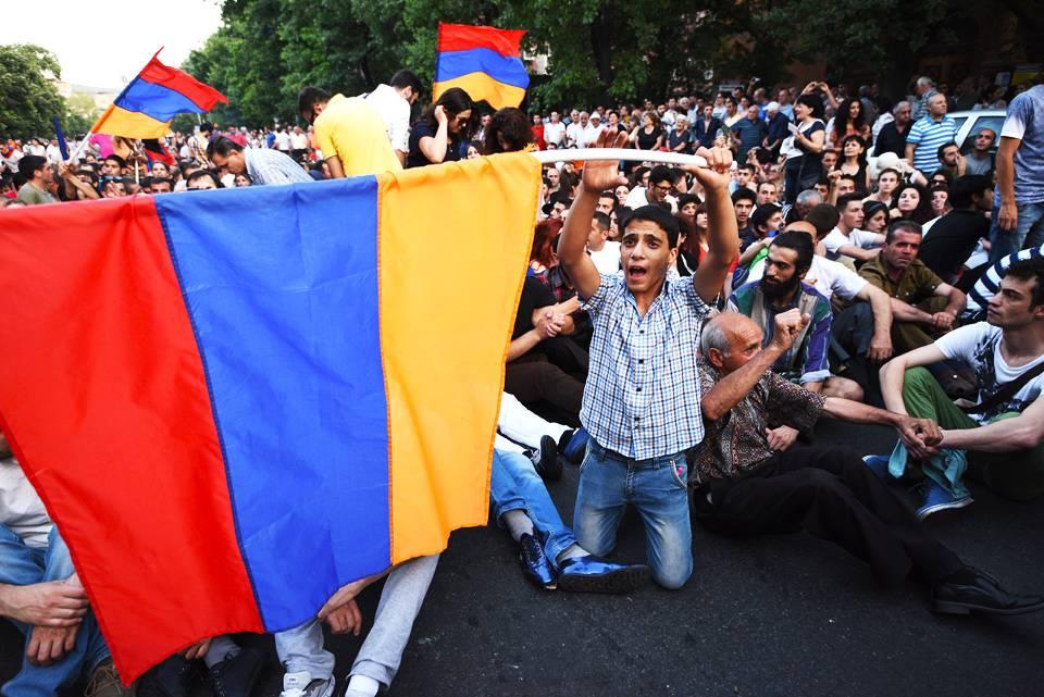 Ереван: громкая отставка