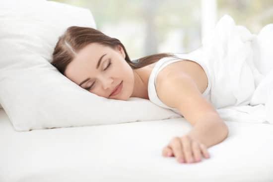 Аюрведа: Почему вредно спать на спине и на животе. Важно знать!1