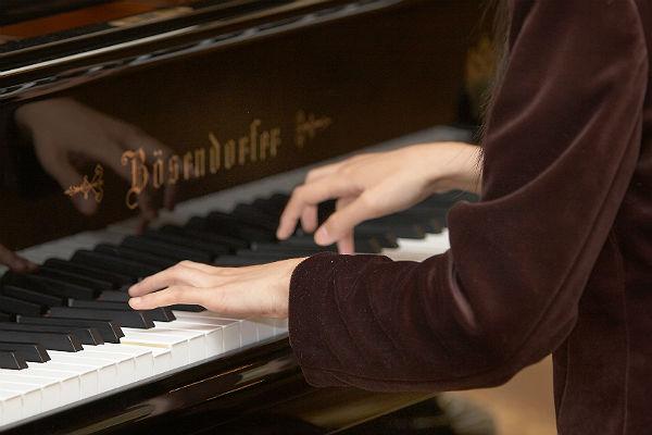 Студенты Харбинской консерватории поехали на стажировку в Питер