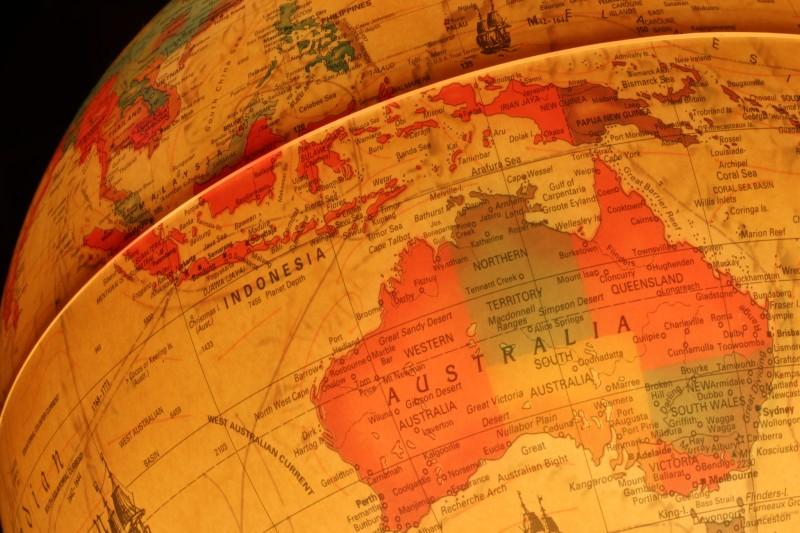 Джон Пилджер: Австралию подманивают к войне с Китаем