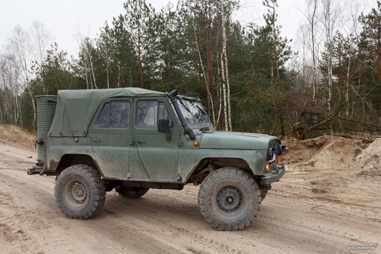 Расход — 20 кг поленьев на сотню километров: Белорус создал машину, работающую на дровах